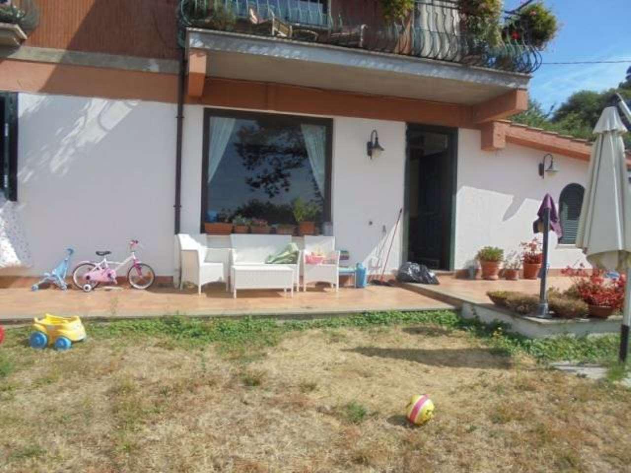 Appartamento in affitto a Nemi, 4 locali, prezzo € 700 | CambioCasa.it