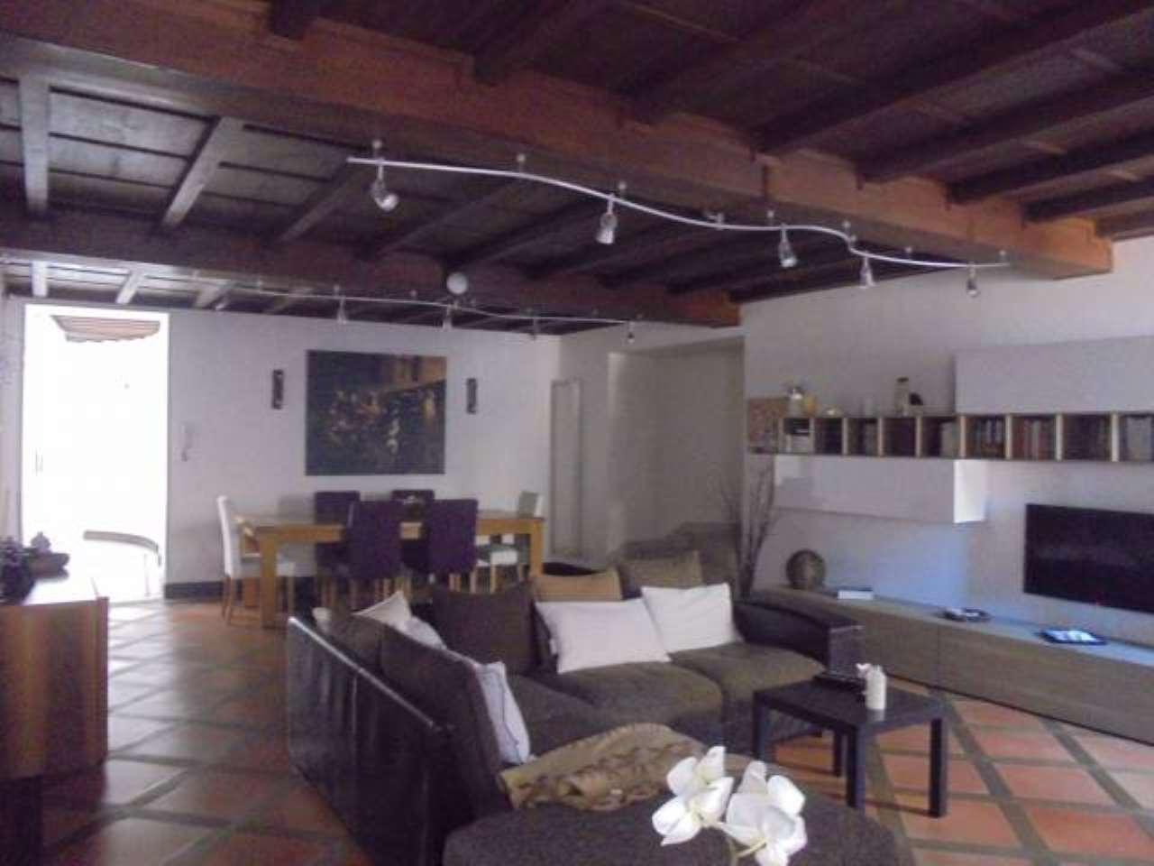 Appartamento in ottime condizioni in vendita Rif. 5313042