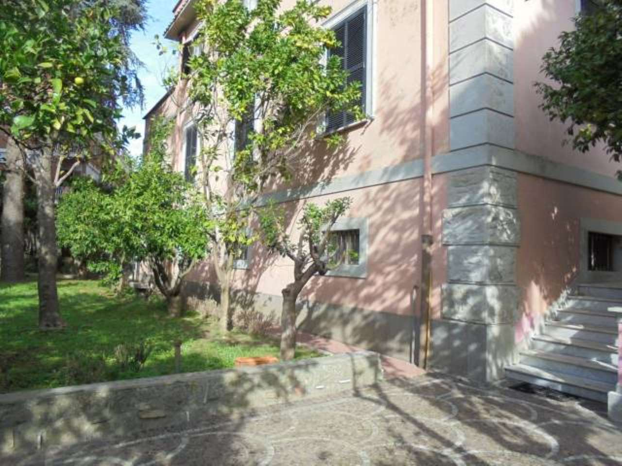Ariccia, appartamento in villa in affitto