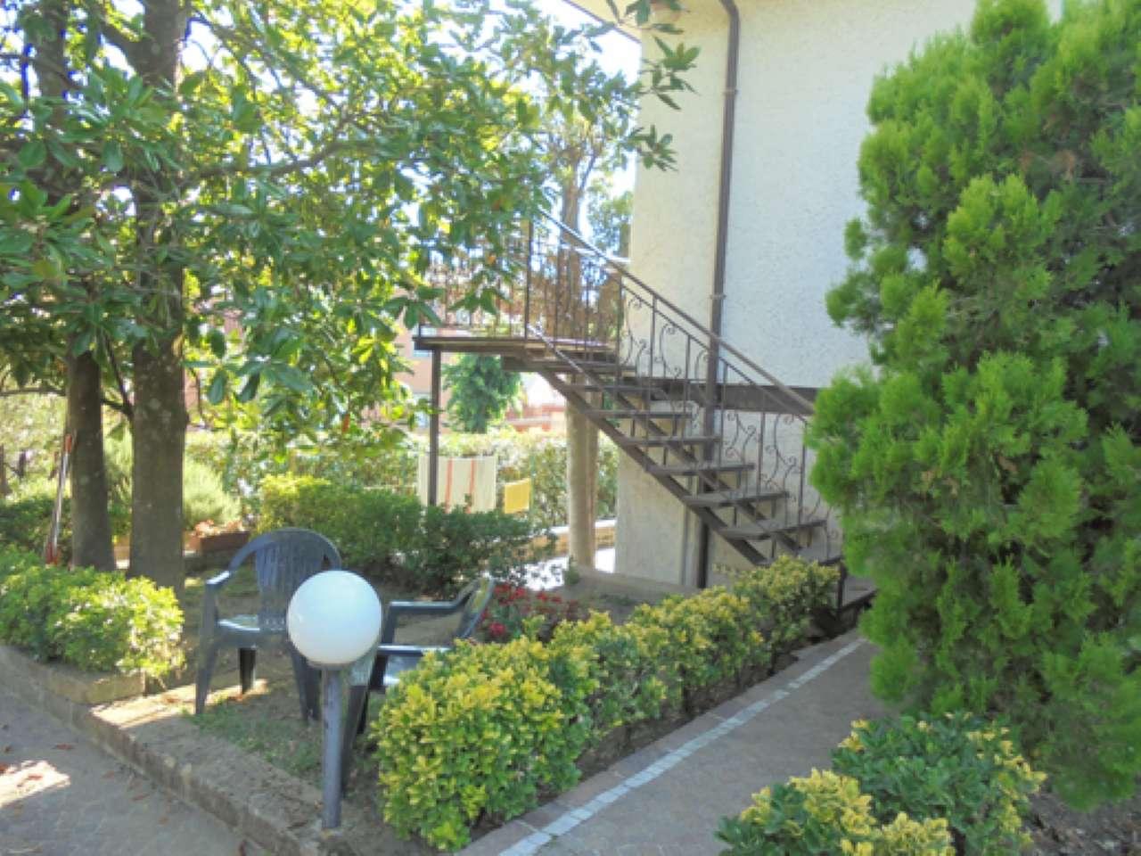 Appartamento in buone condizioni arredato in affitto Rif. 8329981
