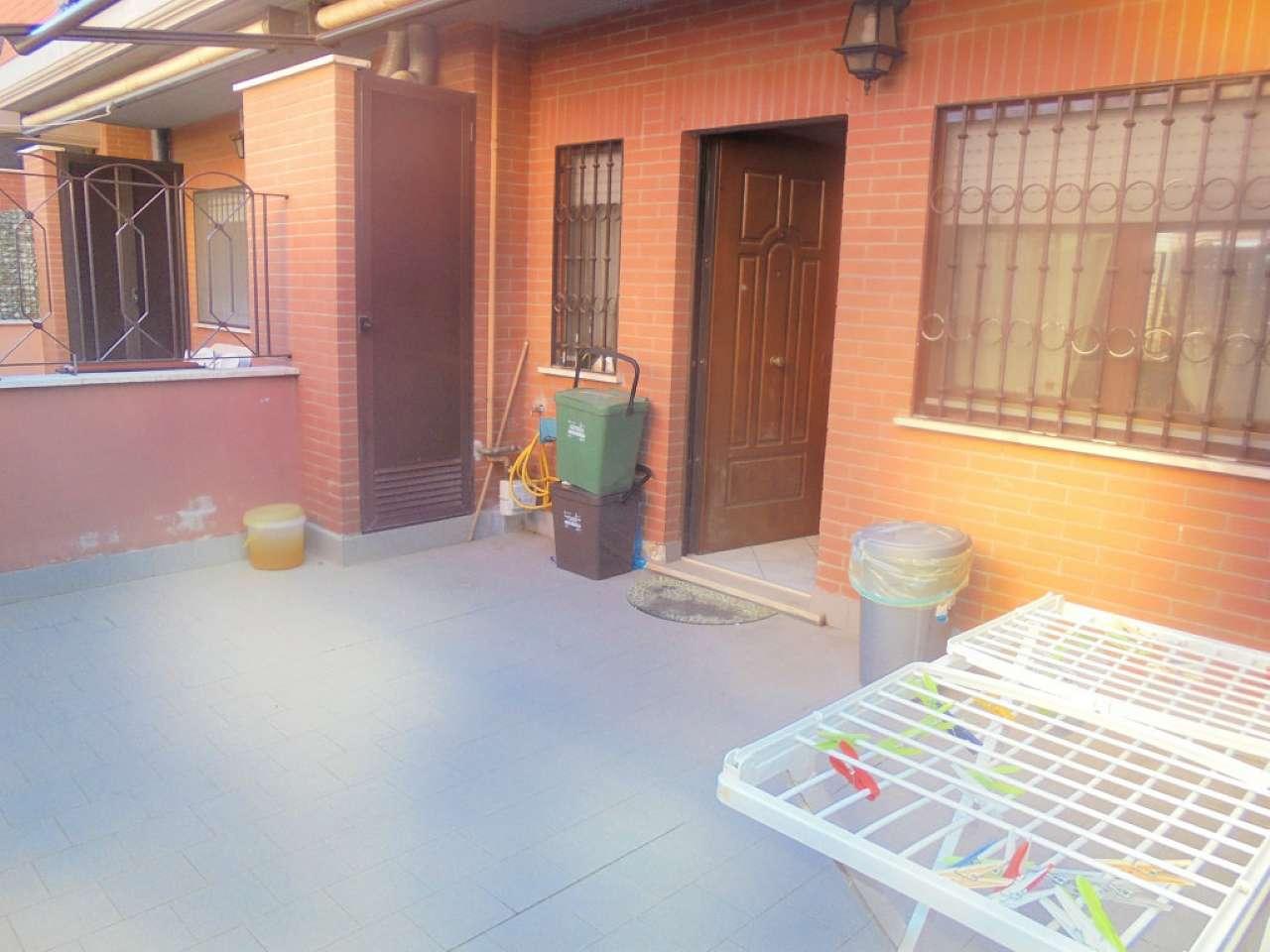 Appartamento in buone condizioni parzialmente arredato in affitto Rif. 8089935
