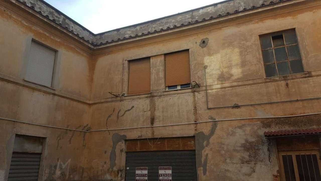 Appartamento da ristrutturare in vendita Rif. 5622695