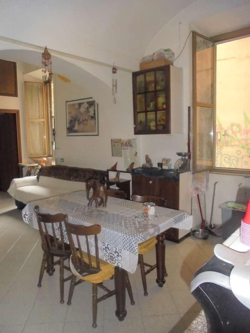 Appartamento in discrete condizioni in vendita Rif. 8329983