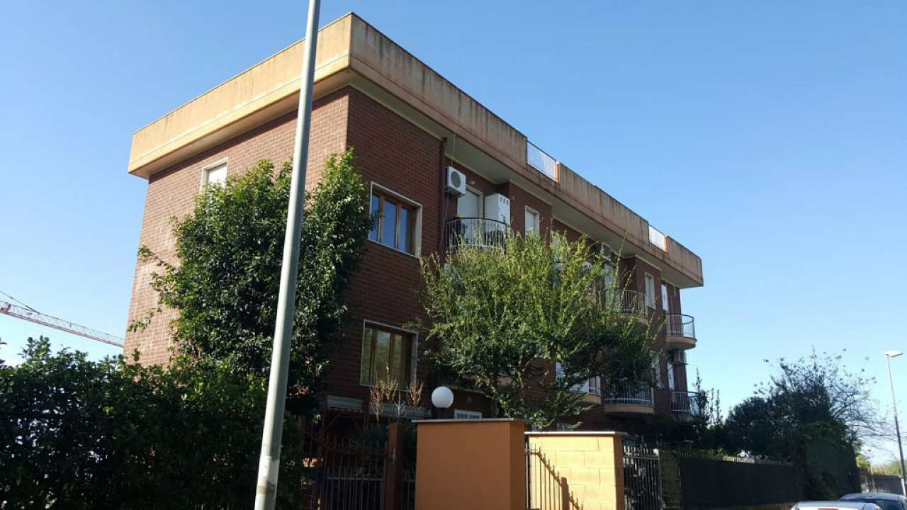 Appartamento in vendita a Ariccia, 3 locali, prezzo € 95.000 | CambioCasa.it