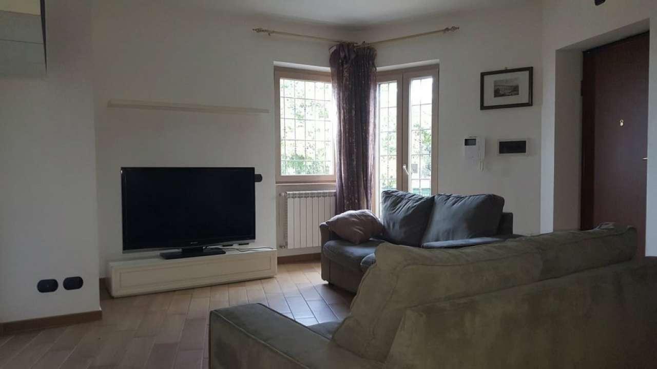 Appartamento parzialmente arredato in vendita Rif. 8650647