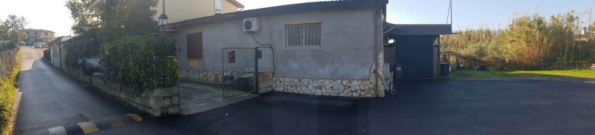 Soluzione Indipendente in vendita a Ariccia, 8 locali, prezzo € 270.000 | CambioCasa.it