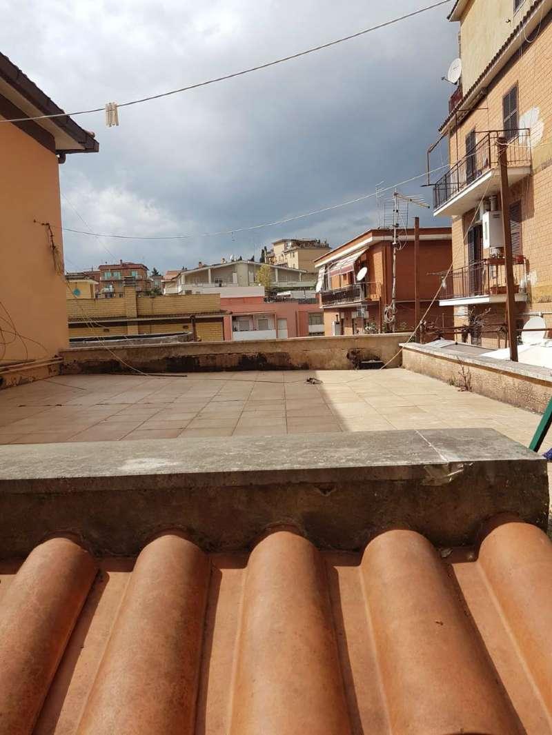 Appartamento in vendita a Roma, 2 locali, zona Zona: 27 . Aurelio - Boccea, prezzo € 77.000   CambioCasa.it