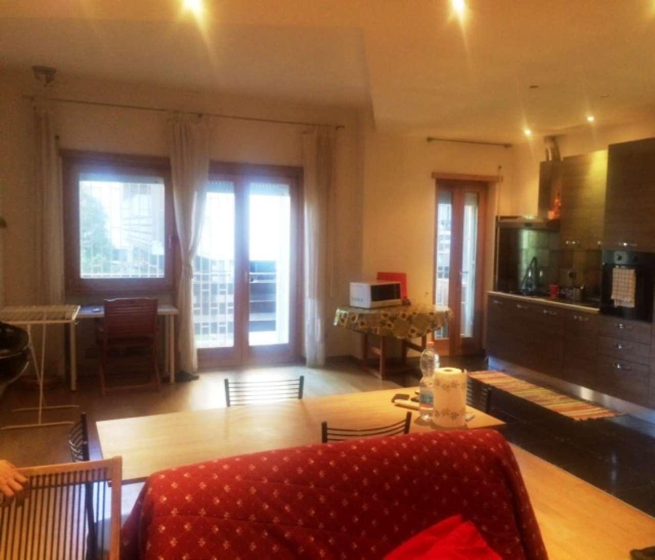 Appartamento in ottime condizioni arredato in affitto Rif. 7379609