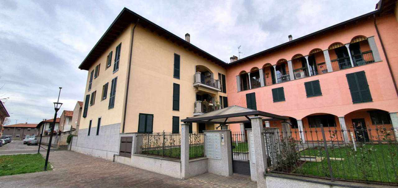 Appartamento in vendita a Cerro Maggiore, 2 locali, prezzo € 90.000   CambioCasa.it