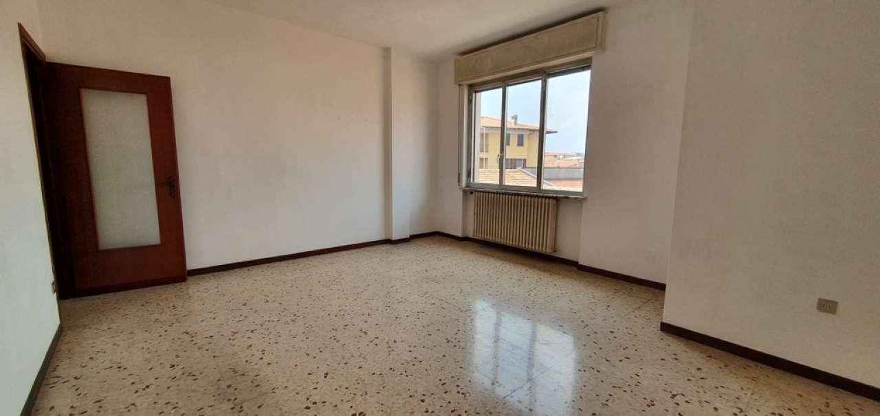 Appartamento in vendita a Busto Garolfo, 2 locali, prezzo € 75.000   CambioCasa.it