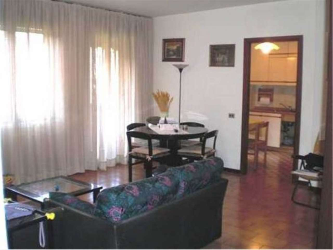 Appartamento in vendita a Lainate, 4 locali, prezzo € 178.000 | CambioCasa.it
