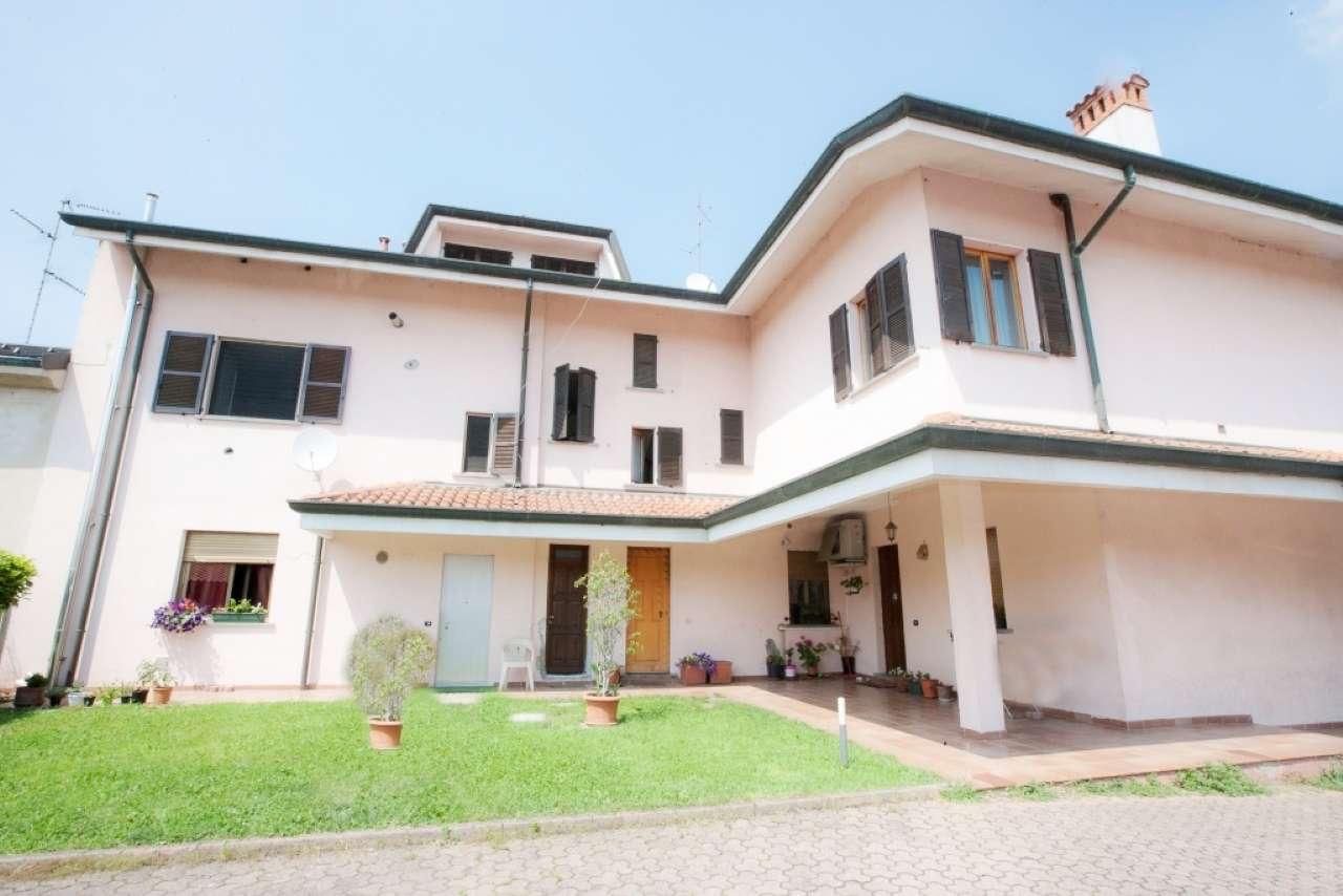Appartamento in vendita a Ceriano Laghetto, 3 locali, prezzo € 269.000 | CambioCasa.it