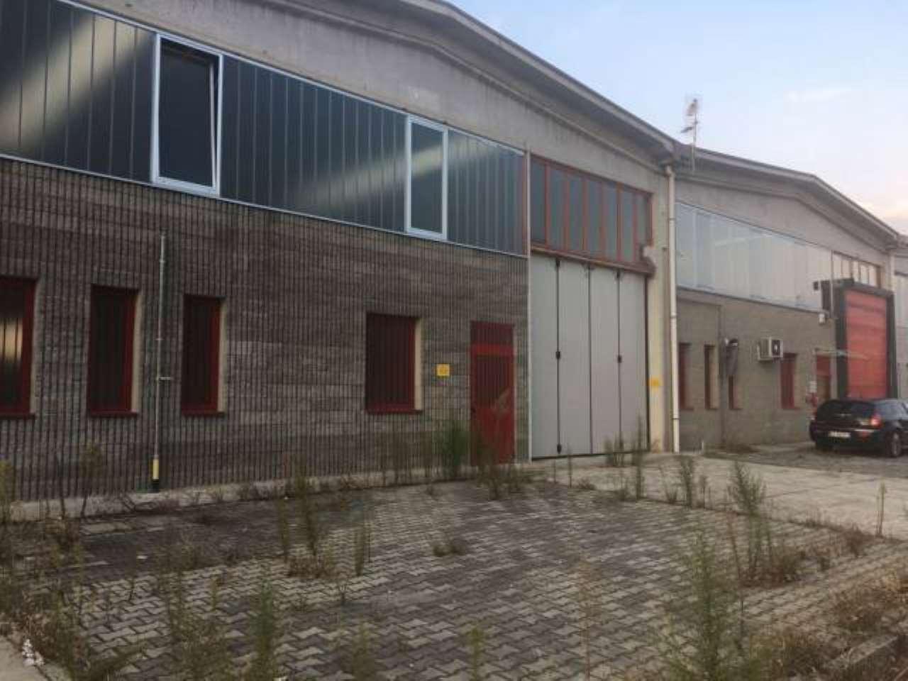 Capannone in vendita a Trezzo sull'Adda, 2 locali, prezzo € 420.000 | PortaleAgenzieImmobiliari.it
