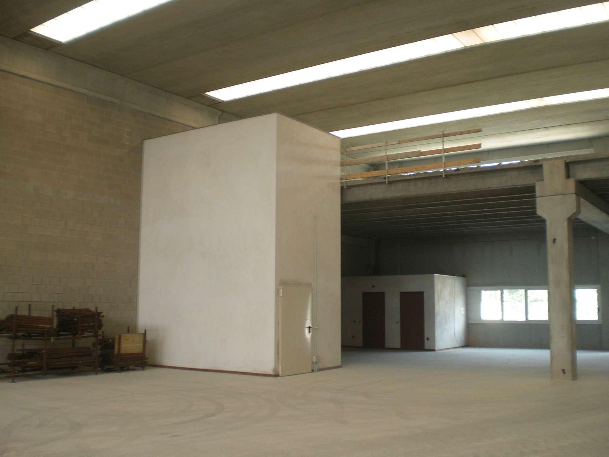 Capannone in affitto a Cambiago, 2 locali, prezzo € 2.833 | PortaleAgenzieImmobiliari.it