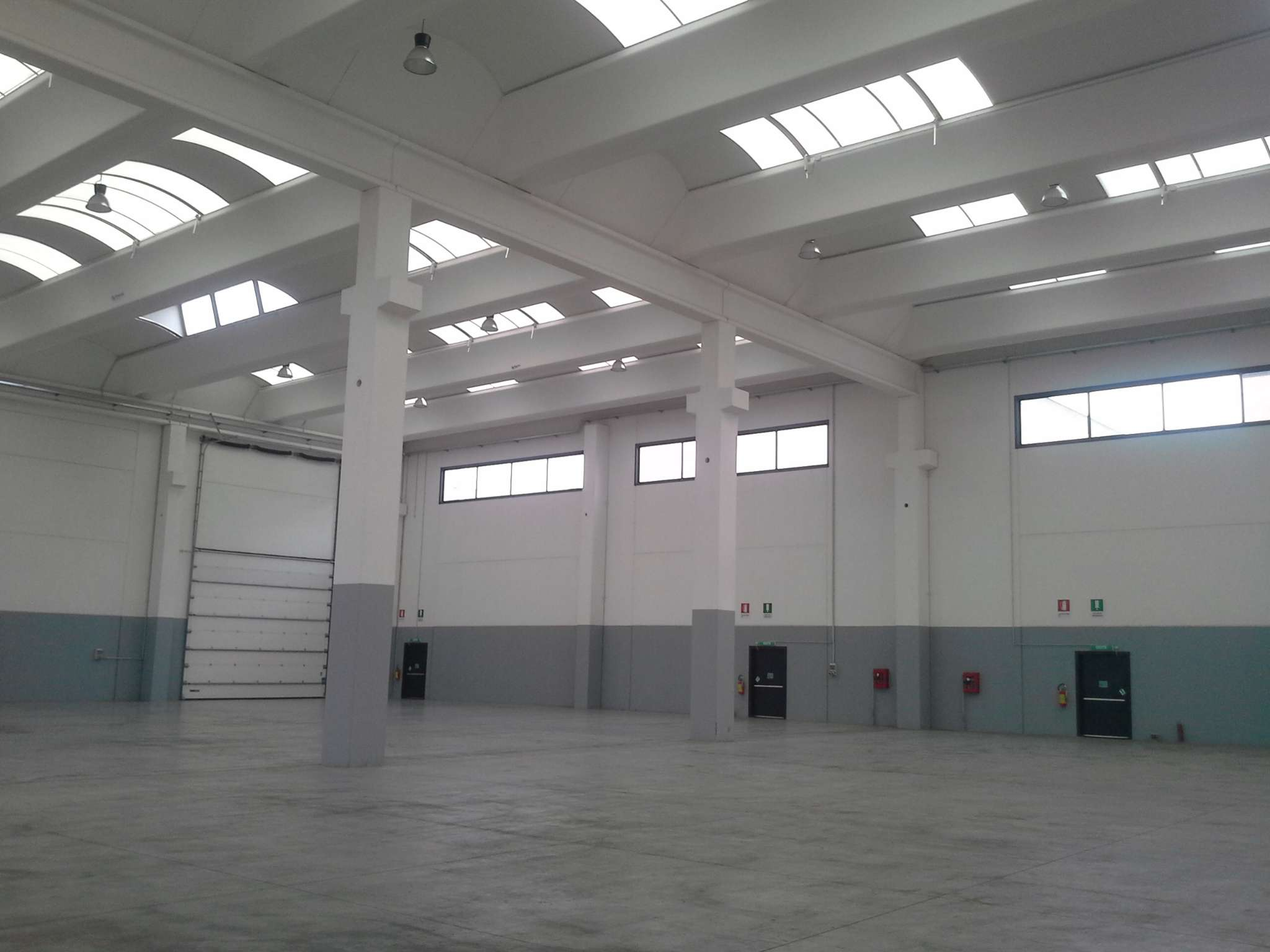 Capannone in affitto a Cambiago, 4 locali, prezzo € 12.500   PortaleAgenzieImmobiliari.it