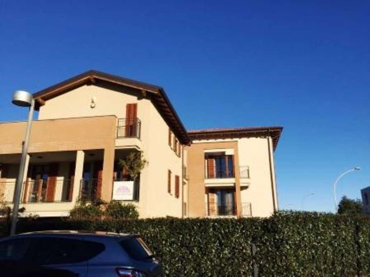 Appartamento in vendita a Burago di Molgora, 3 locali, prezzo € 248.000 | CambioCasa.it