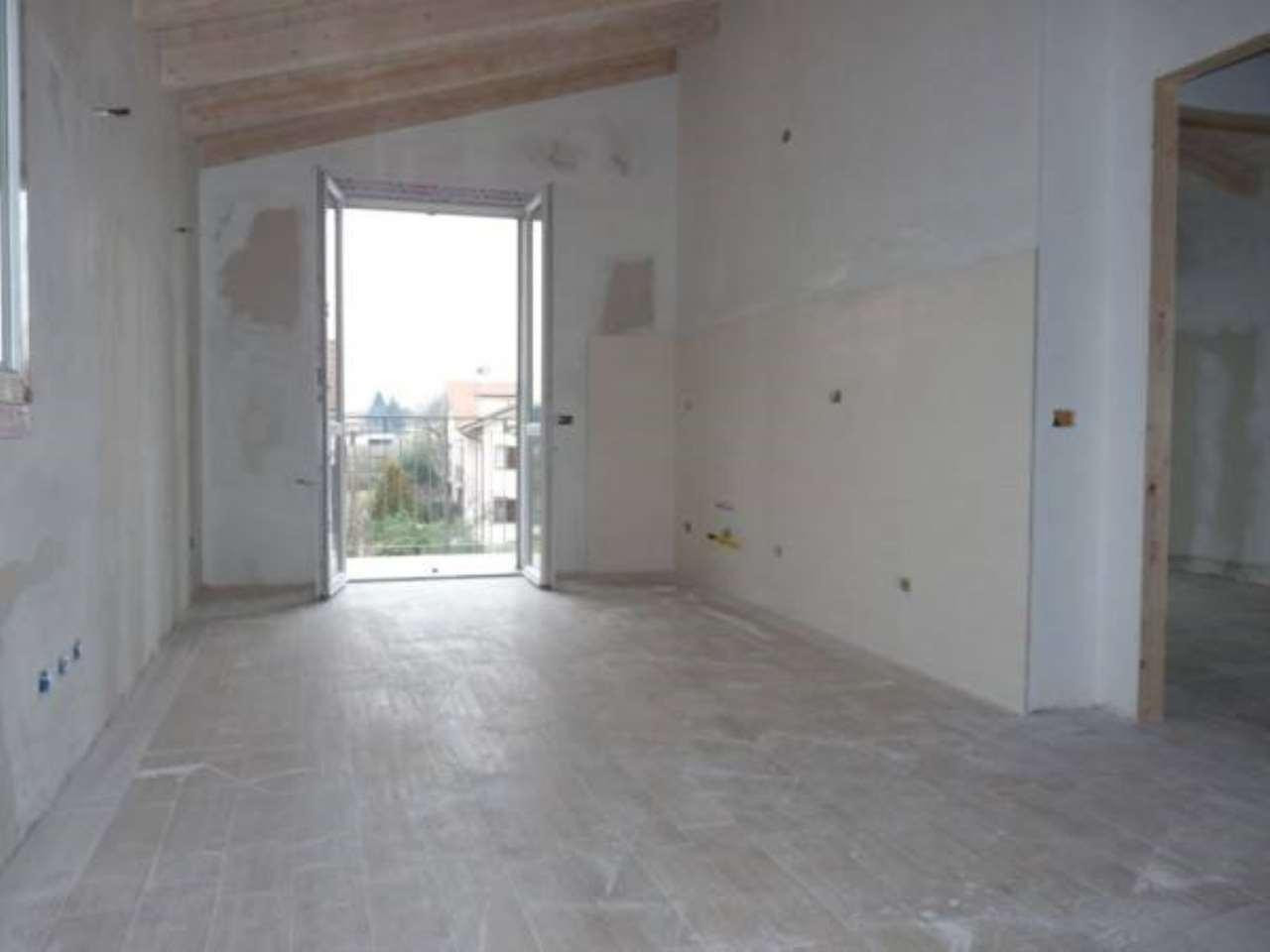 Appartamento in vendita a Trezzano Rosa, 2 locali, prezzo € 88.000 | PortaleAgenzieImmobiliari.it