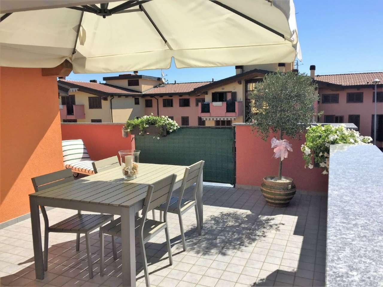 Appartamento in vendita a Roncello, 3 locali, prezzo € 190.000 | CambioCasa.it