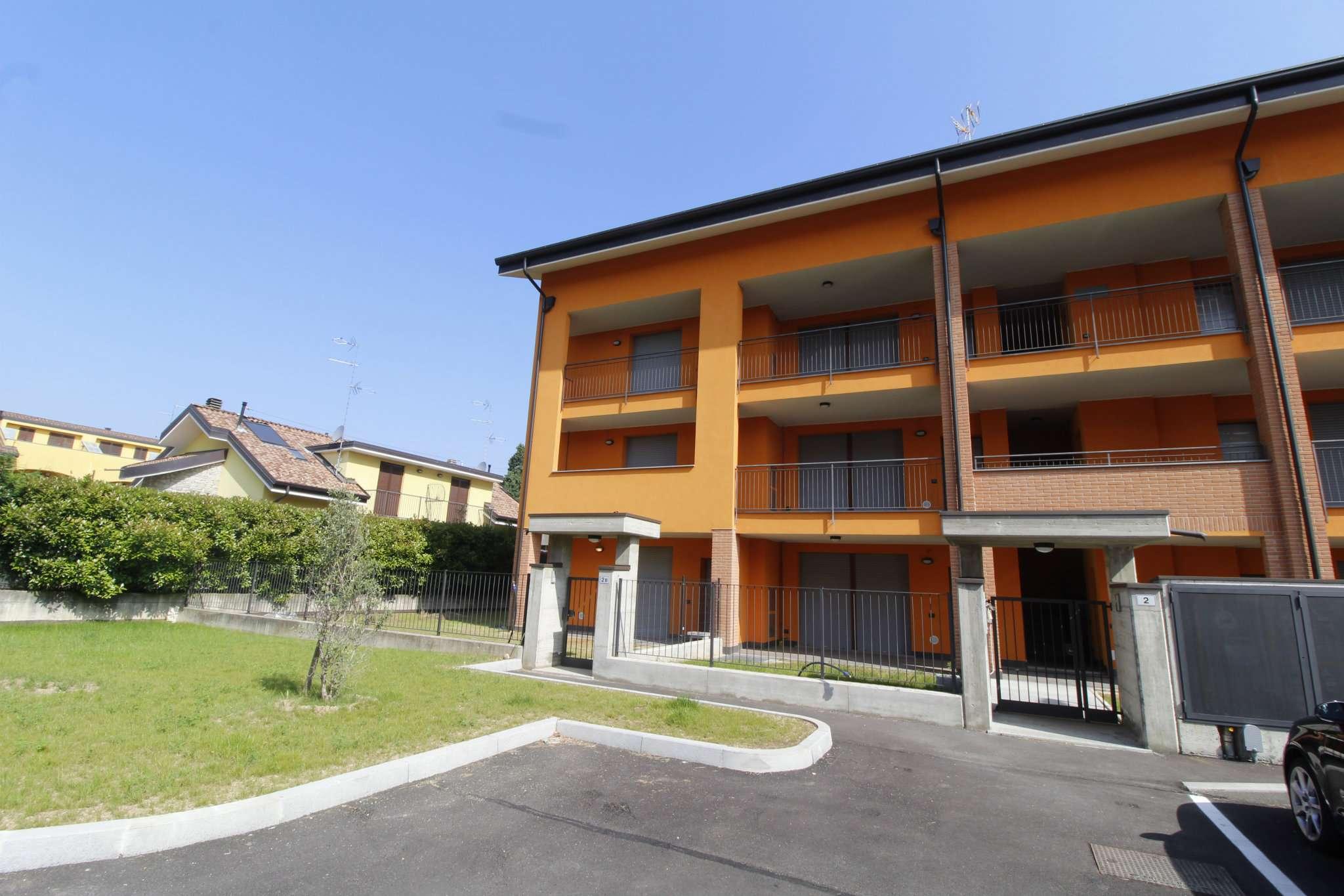 Appartamento in vendita a Mezzago, 3 locali, prezzo € 165.000 | CambioCasa.it