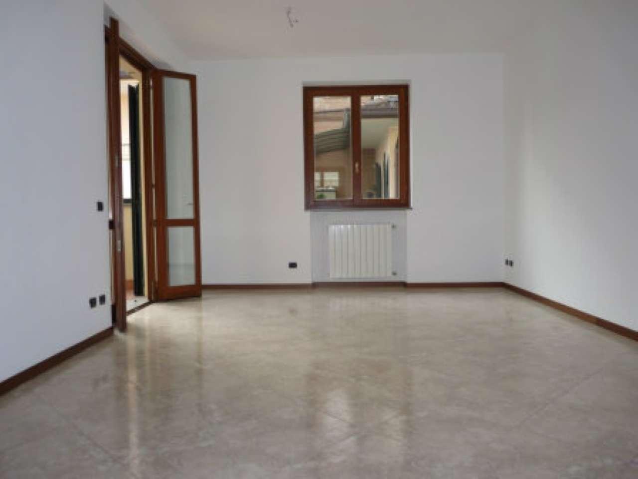 Appartamento in ottime condizioni in affitto Rif. 8524512