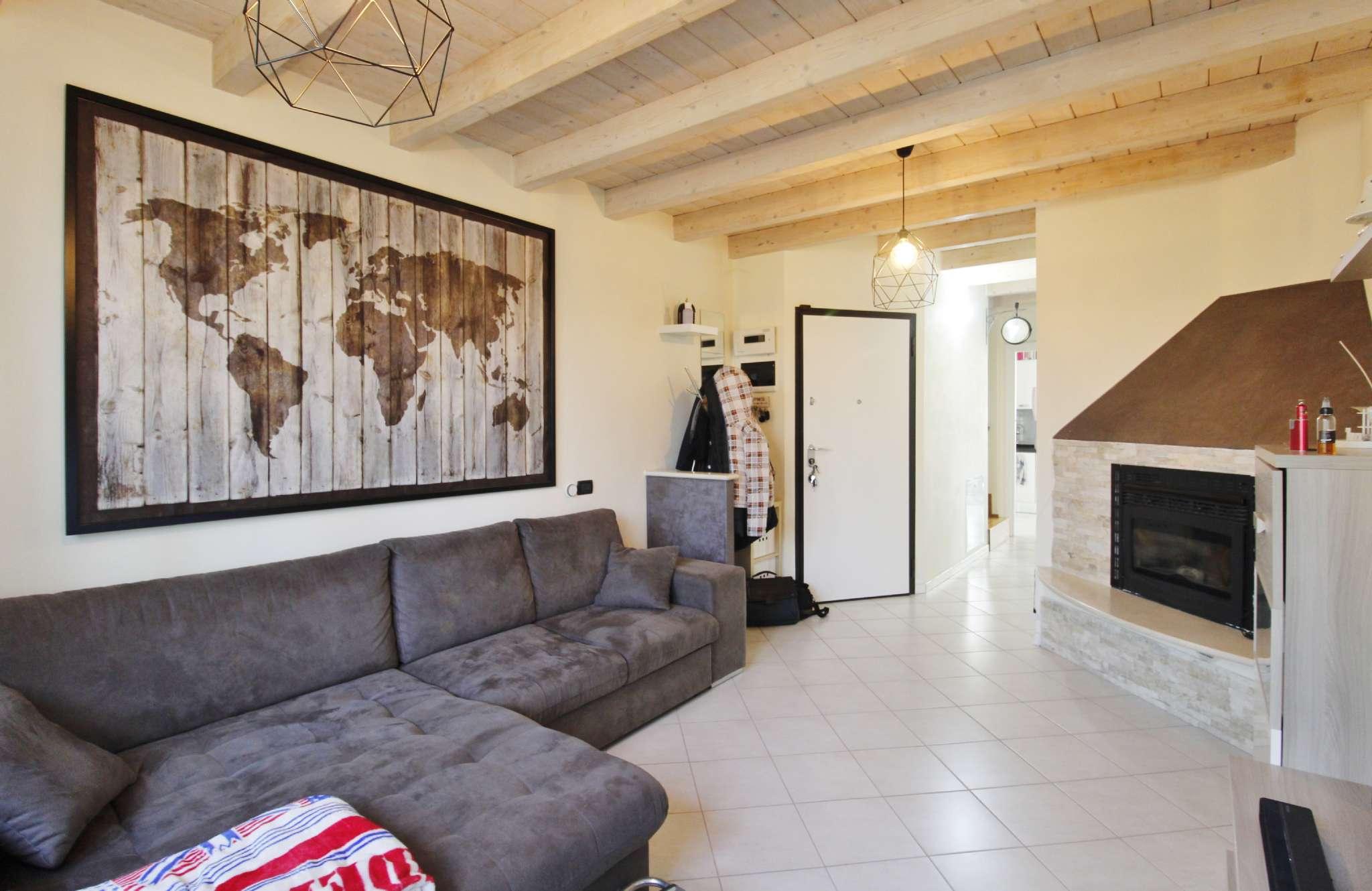 Appartamento in vendita a Vimercate, 3 locali, prezzo € 145.000   CambioCasa.it