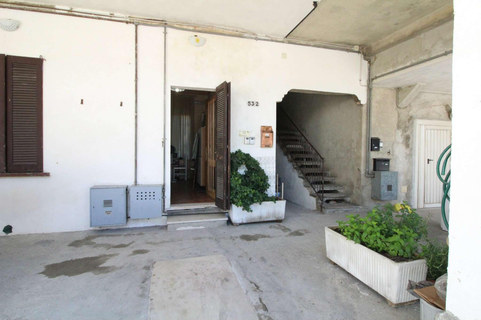 Appartamento in vendita a Mezzago, 3 locali, prezzo € 88.000 | CambioCasa.it