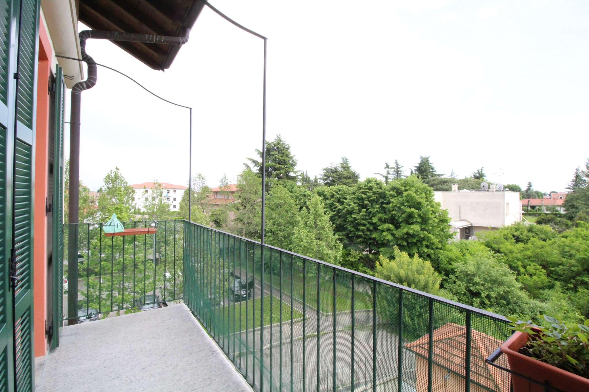 Appartamento in vendita a Cornate d'Adda, 3 locali, prezzo € 154.000 | CambioCasa.it