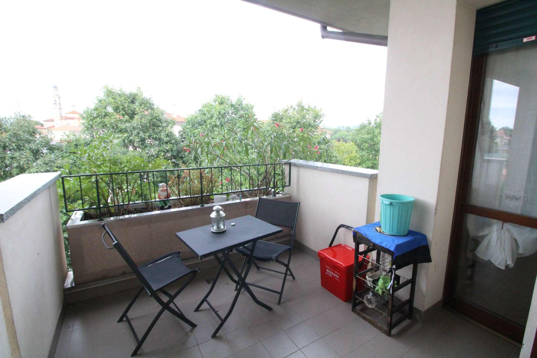 Appartamento in vendita a Vimercate, 3 locali, prezzo € 148.000   CambioCasa.it