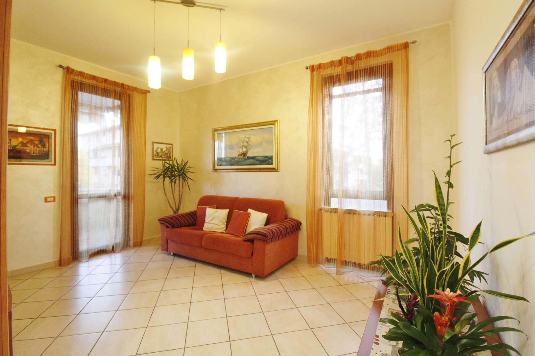 Appartamento in vendita a Vimercate, 3 locali, prezzo € 169.000   CambioCasa.it