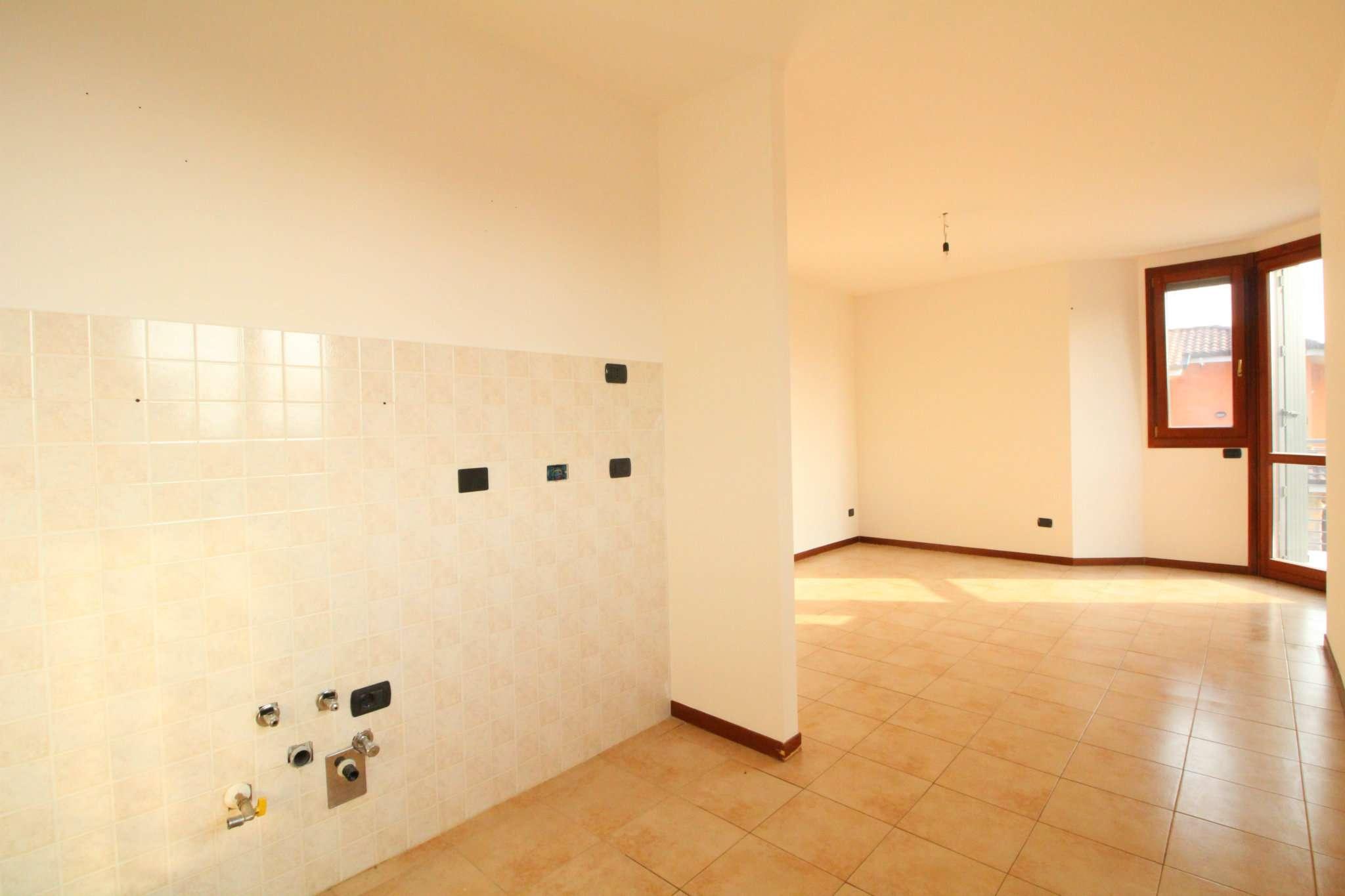Appartamento in vendita a Busnago, 3 locali, prezzo € 125.000   CambioCasa.it