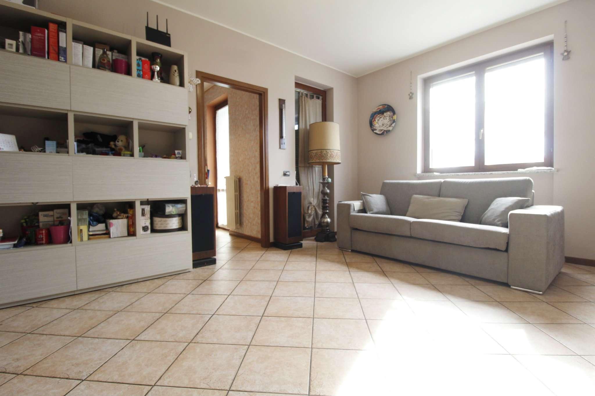 Appartamento in vendita a Sulbiate, 2 locali, prezzo € 117.000 | CambioCasa.it