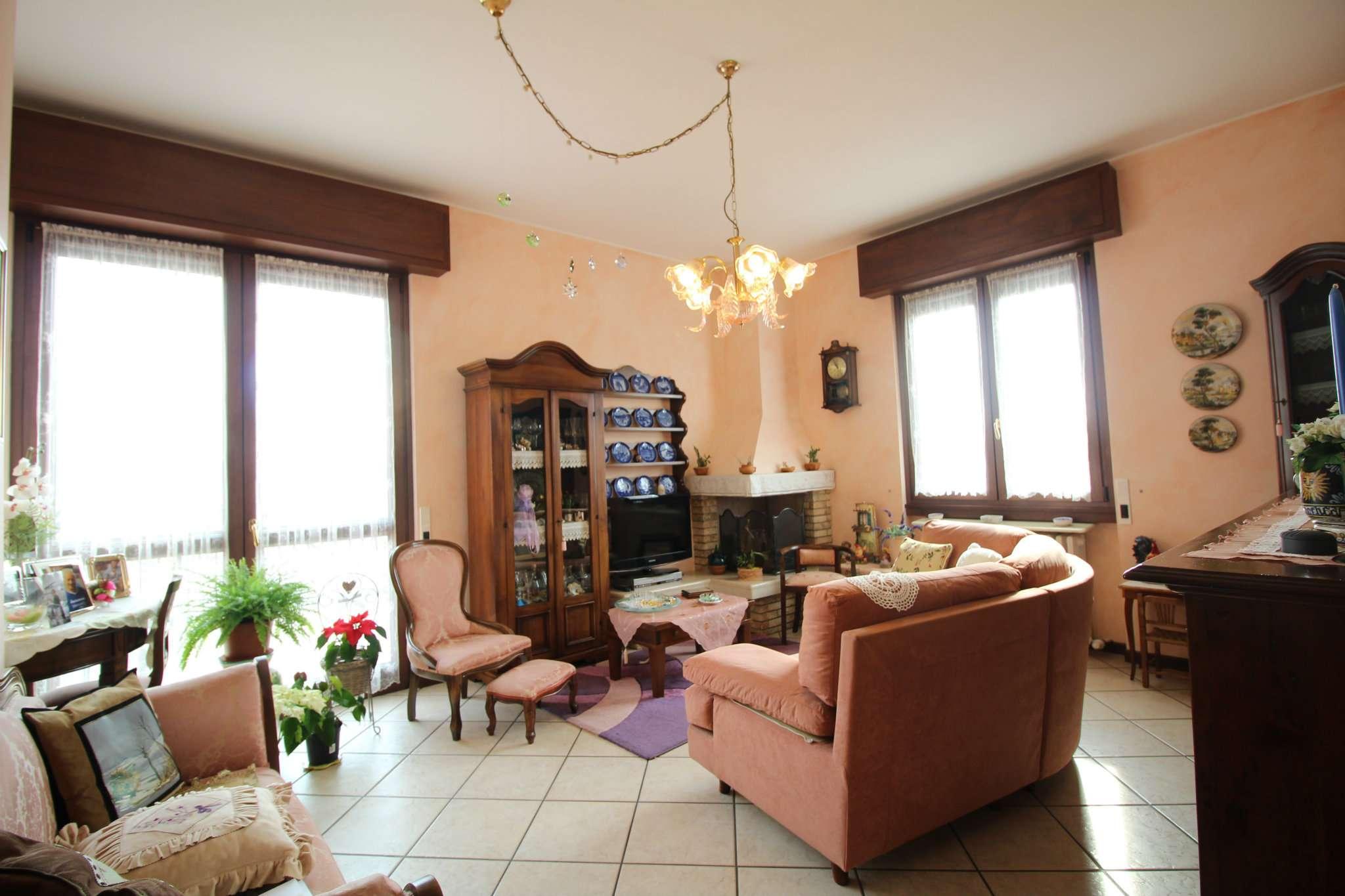 Appartamento in vendita a Merate, 3 locali, prezzo € 148.000 | PortaleAgenzieImmobiliari.it