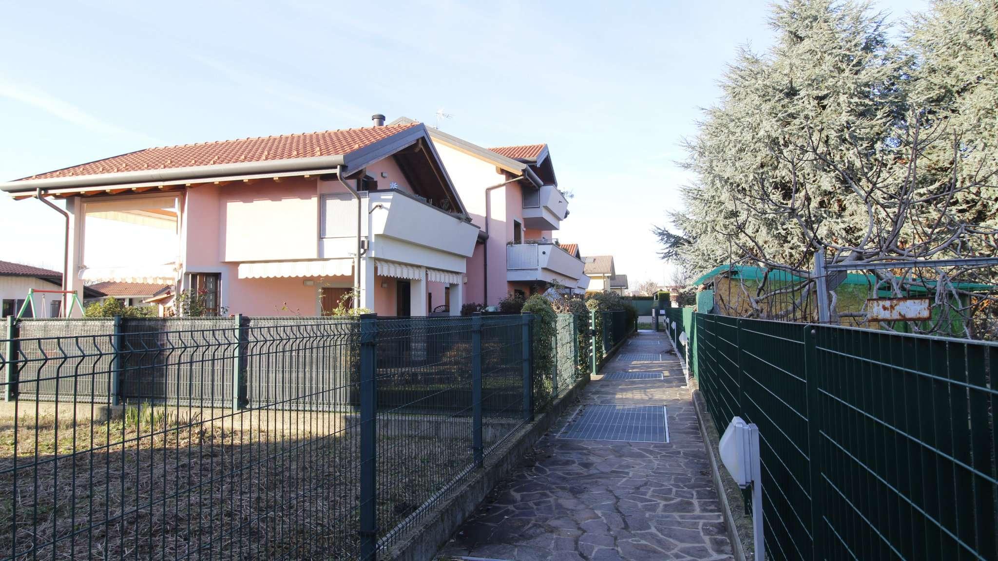 Appartamento in vendita a Cavenago di Brianza, 3 locali, prezzo € 175.000 | CambioCasa.it