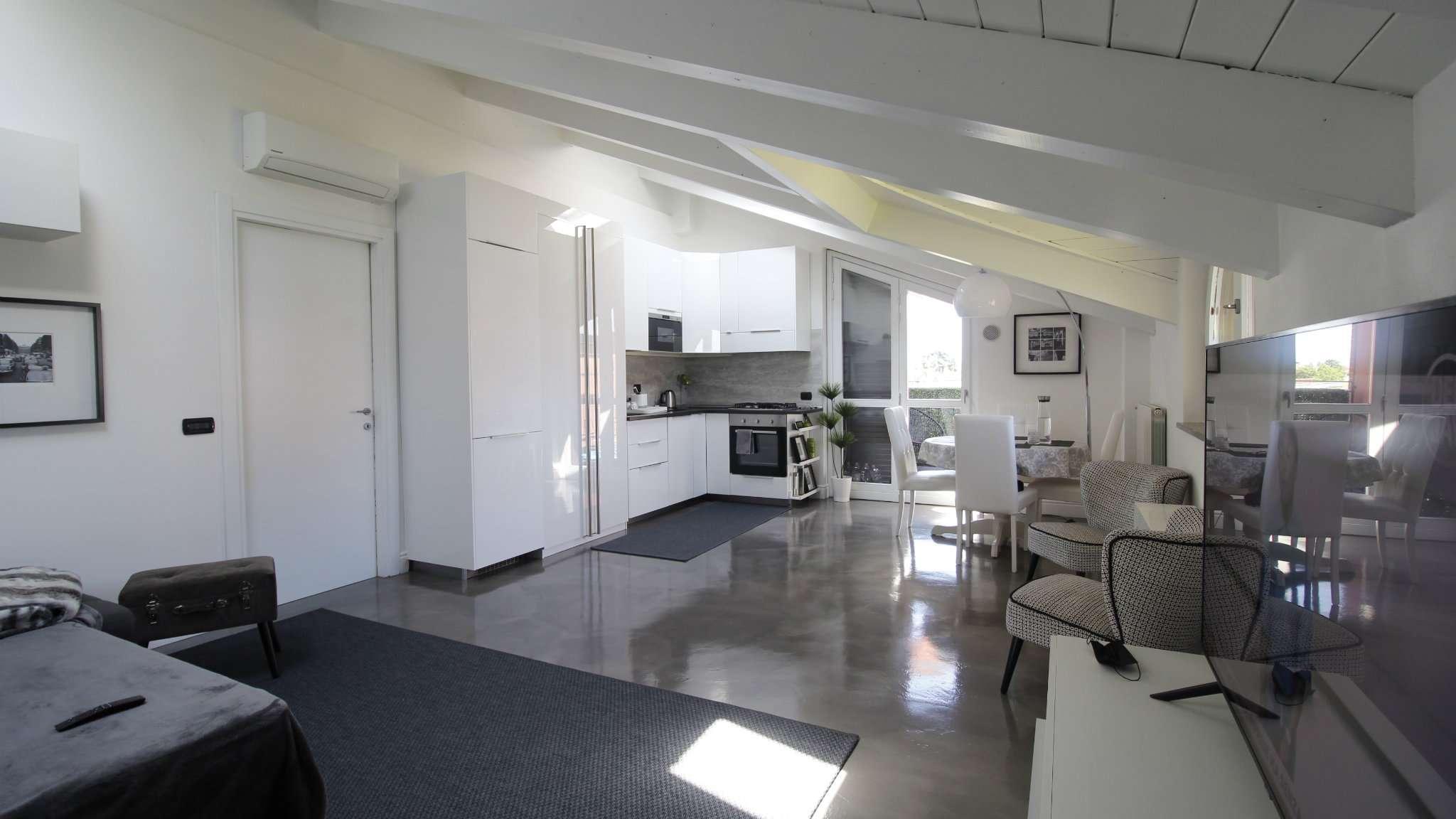 Appartamento in vendita a Cologno Monzese, 4 locali, prezzo € 295.000 | PortaleAgenzieImmobiliari.it