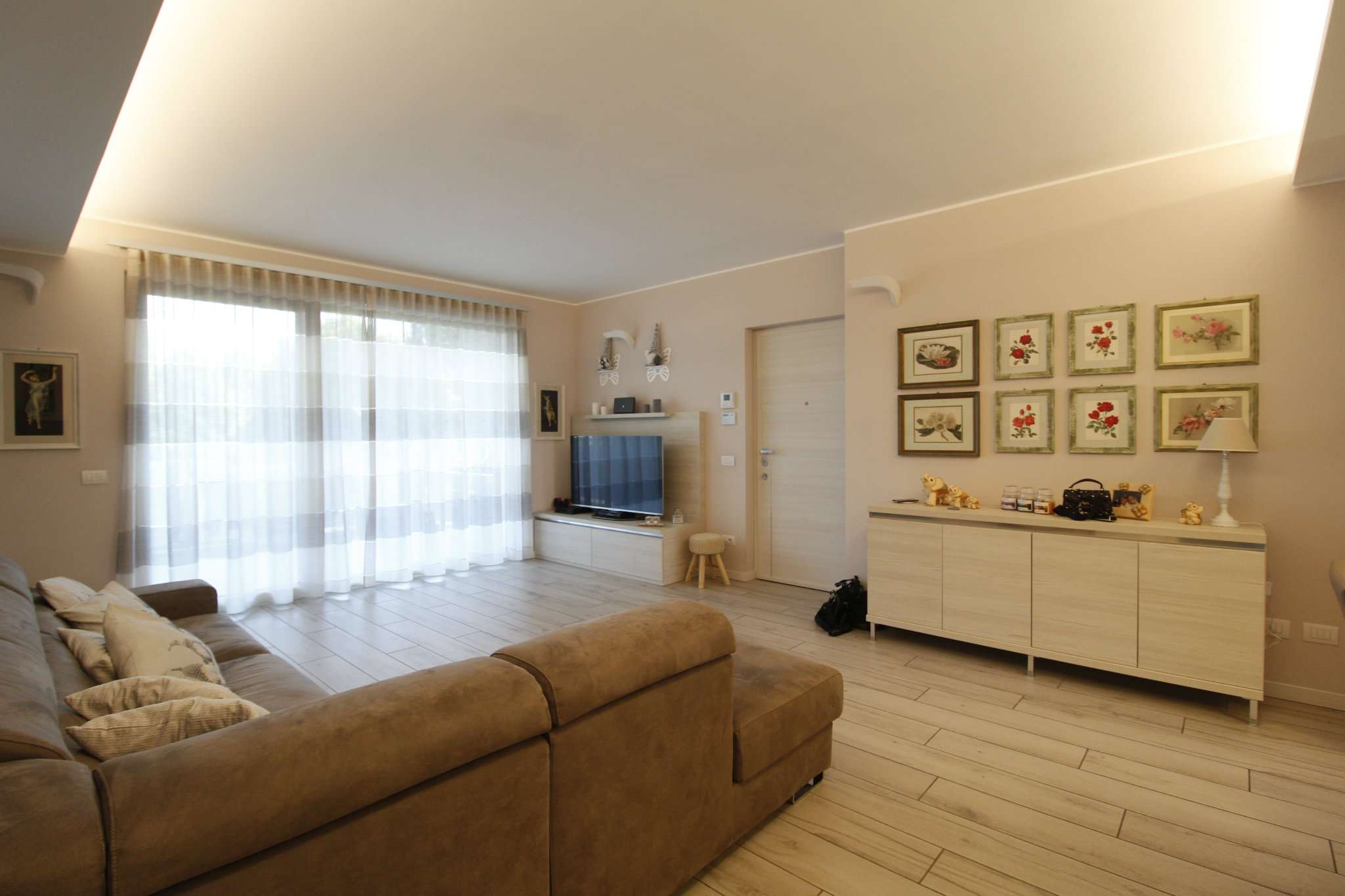 Appartamento in vendita a Cornate d'Adda, 4 locali, prezzo € 358.000 | CambioCasa.it