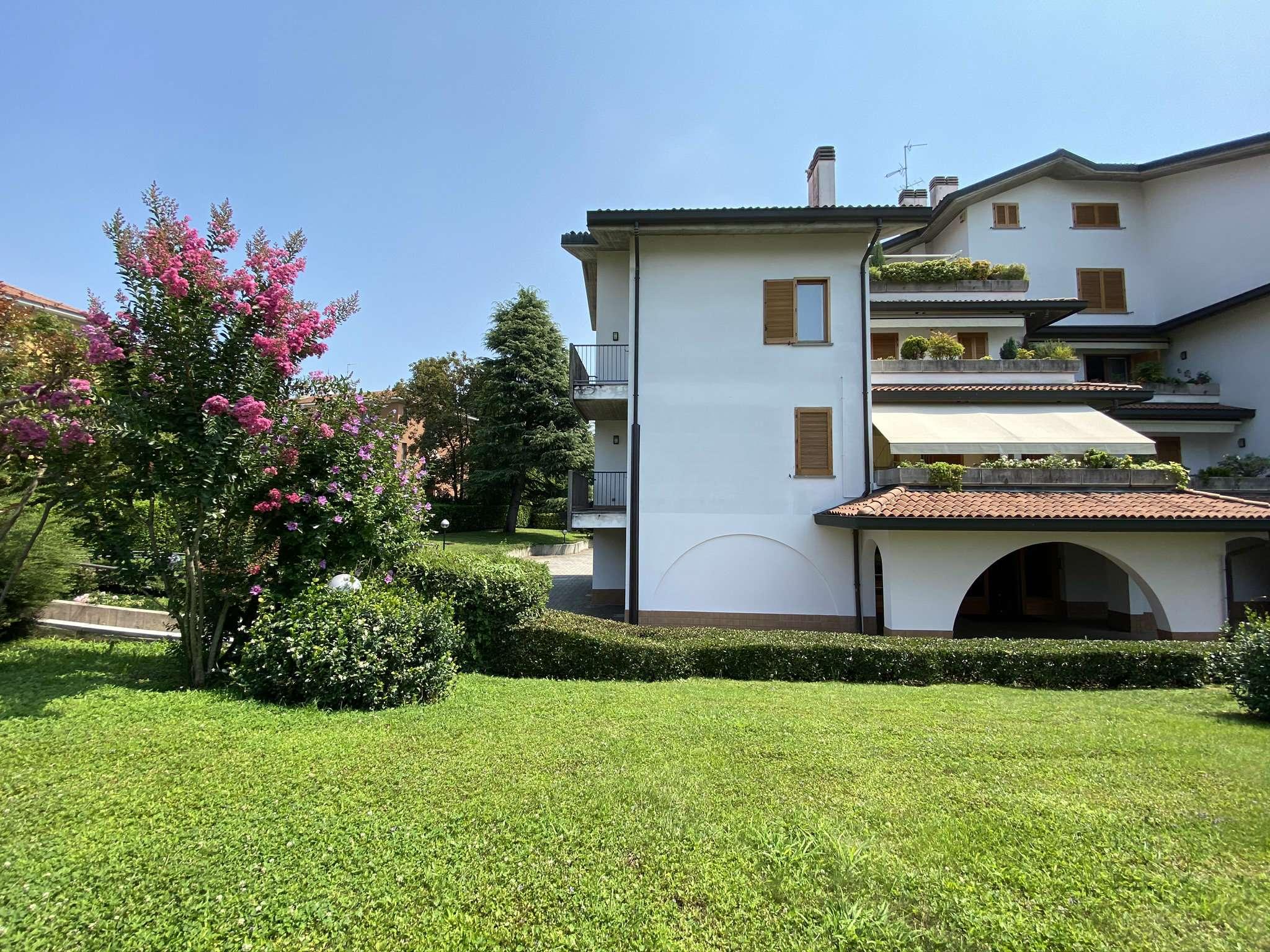 Appartamento in vendita a Vimercate, 3 locali, prezzo € 295.000   CambioCasa.it
