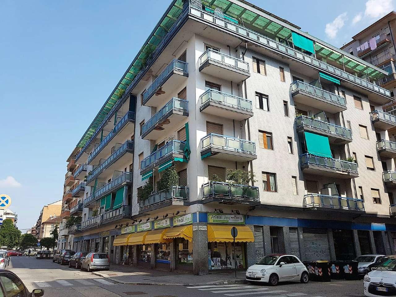Appartamento in buone condizioni parzialmente arredato in affitto Rif. 7935816