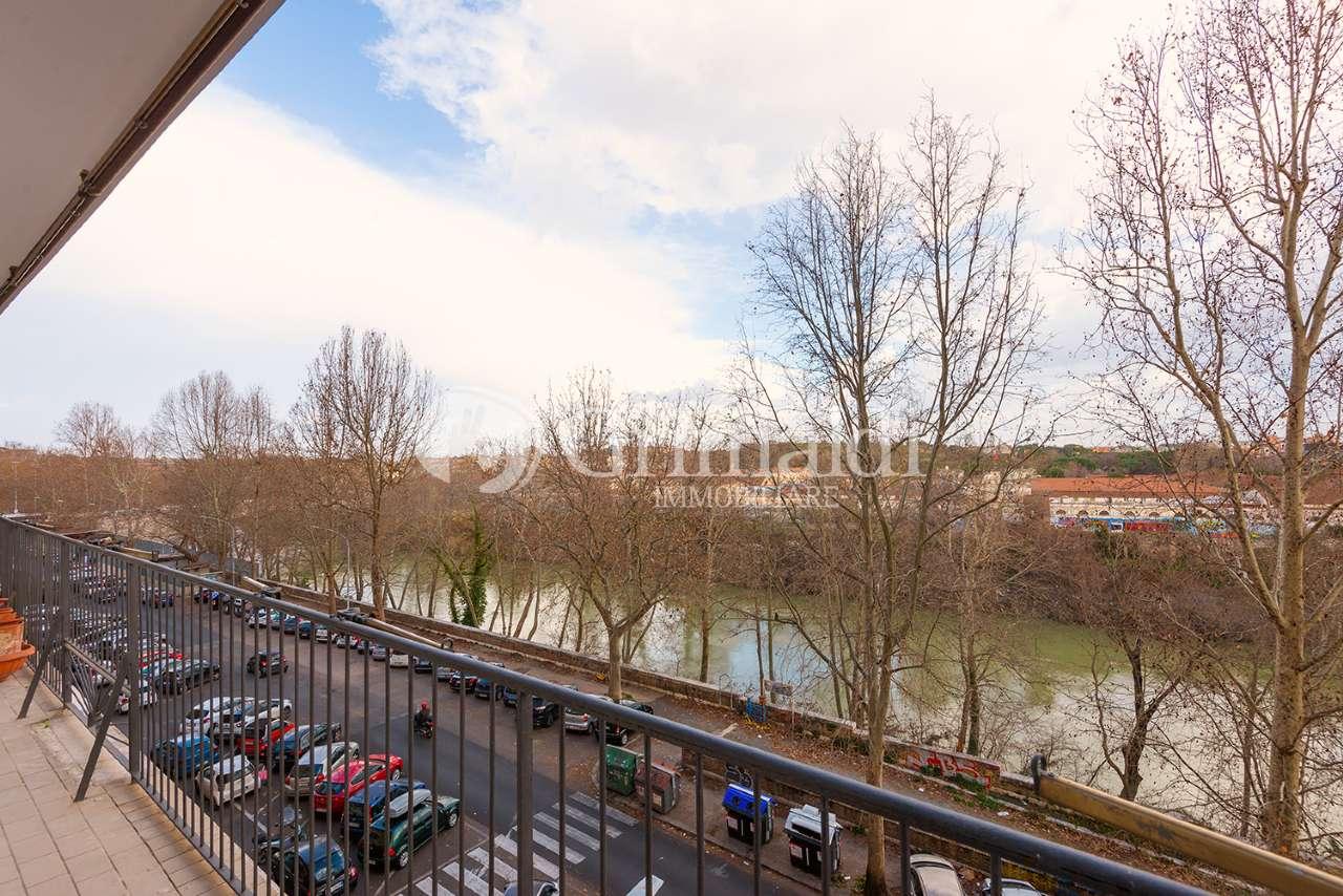 Appartamento in vendita a Roma, 5 locali, zona Zona: 25 . Trastevere - Testaccio, prezzo € 470.000   CambioCasa.it
