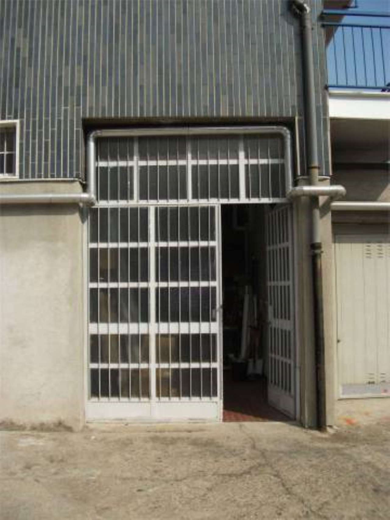 Laboratorio in vendita a Cassina de' Pecchi, 1 locali, prezzo € 100.000   CambioCasa.it