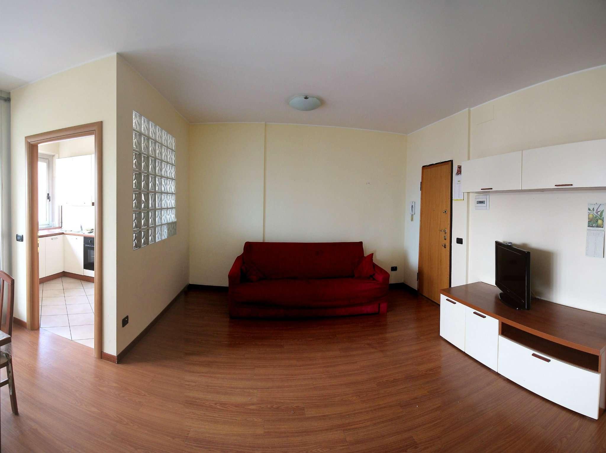 Appartamento in buone condizioni arredato in affitto Rif. 6629108