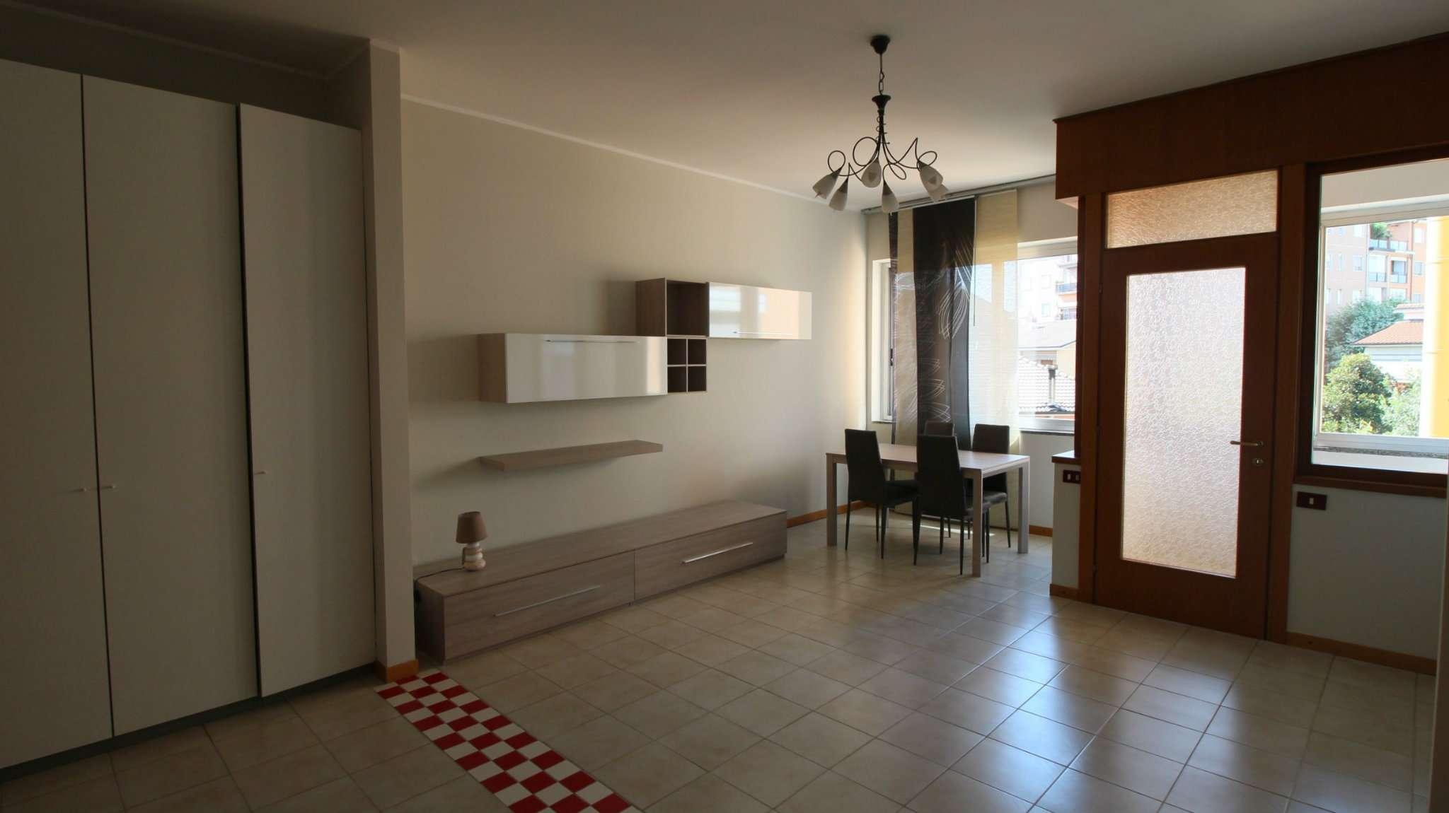 Appartamento ristrutturato arredato in affitto Rif. 7350538