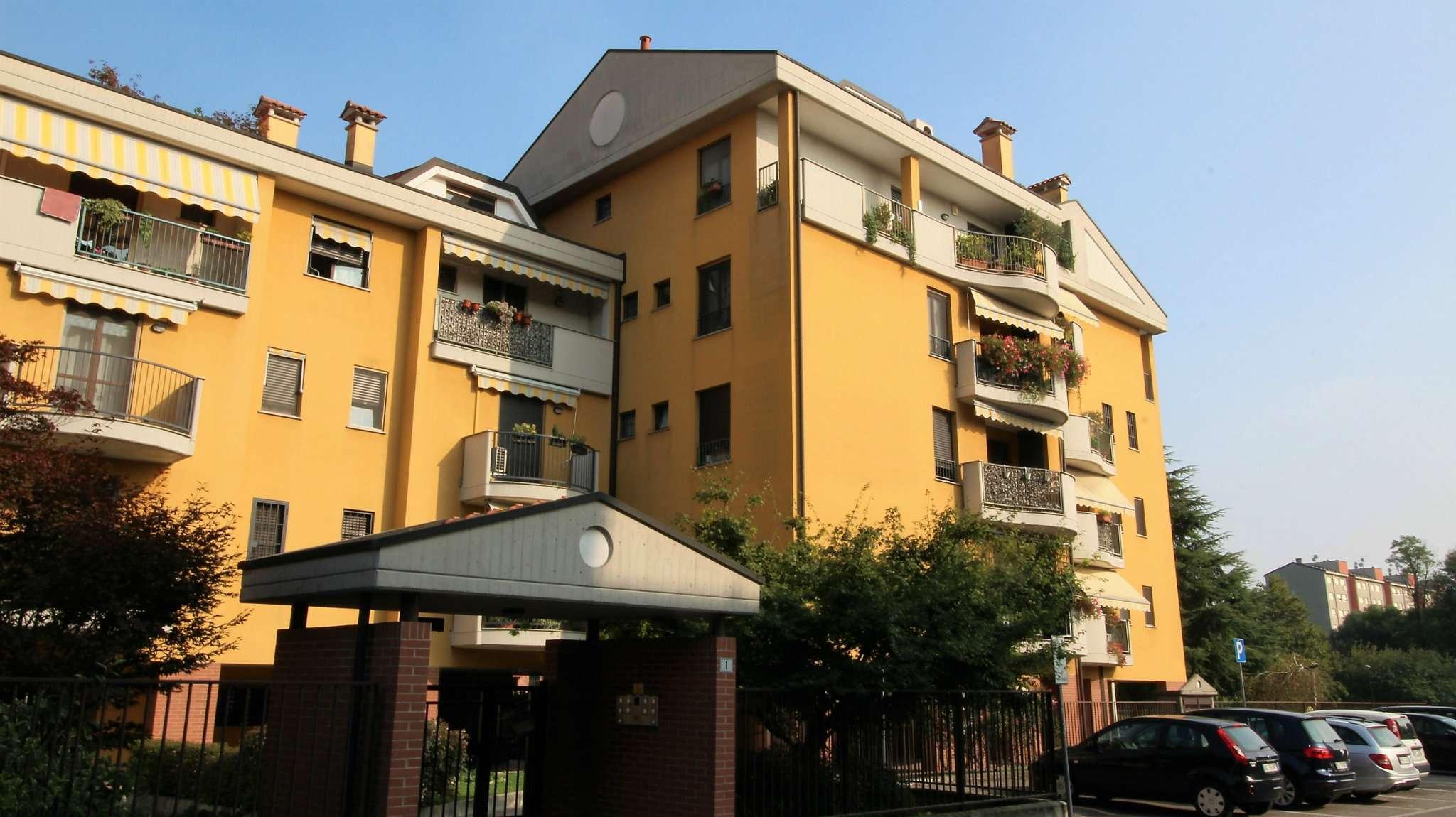 Appartamento in ottime condizioni arredato in affitto Rif. 8090081