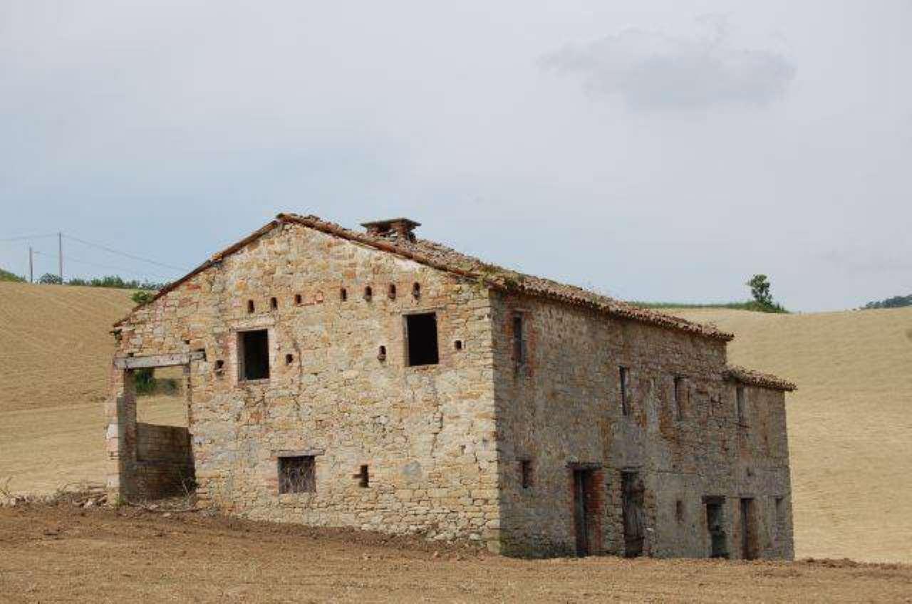 Rustico / Casale in vendita a Rotella, 6 locali, prezzo € 125.000 | CambioCasa.it