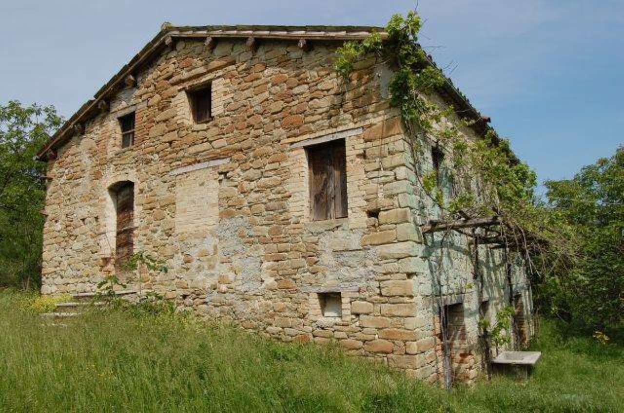 Rustico / Casale in vendita a Rotella, 6 locali, prezzo € 110.000 | CambioCasa.it