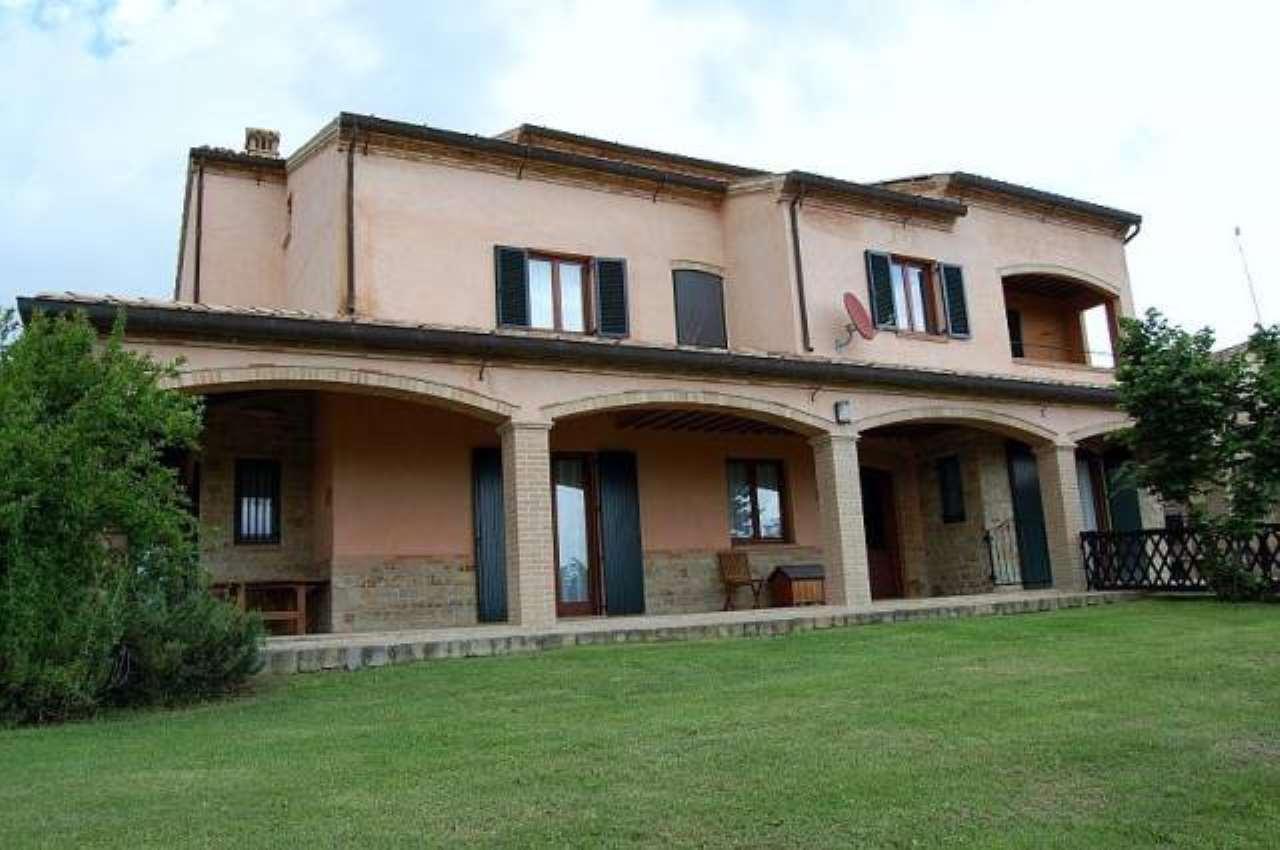 Villa in vendita a Gualdo, 6 locali, prezzo € 485.000 | CambioCasa.it