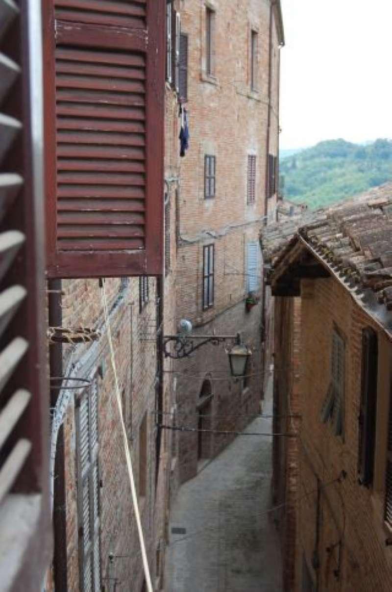 Soluzione Semindipendente in vendita a Sarnano, 5 locali, prezzo € 75.000 | CambioCasa.it