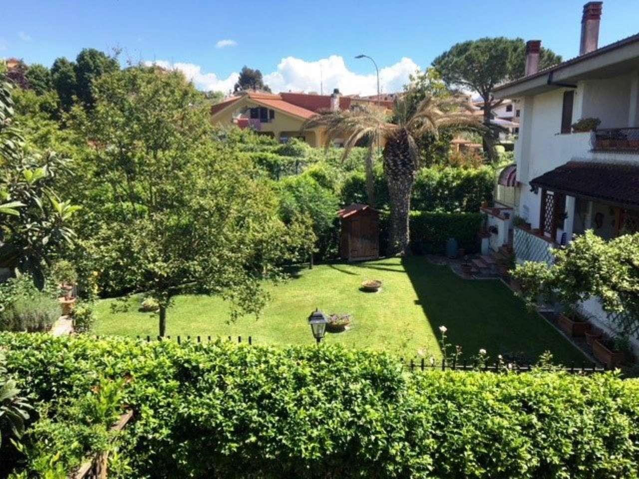 Villa Bifamiliare in Vendita a Guidonia Montecelio