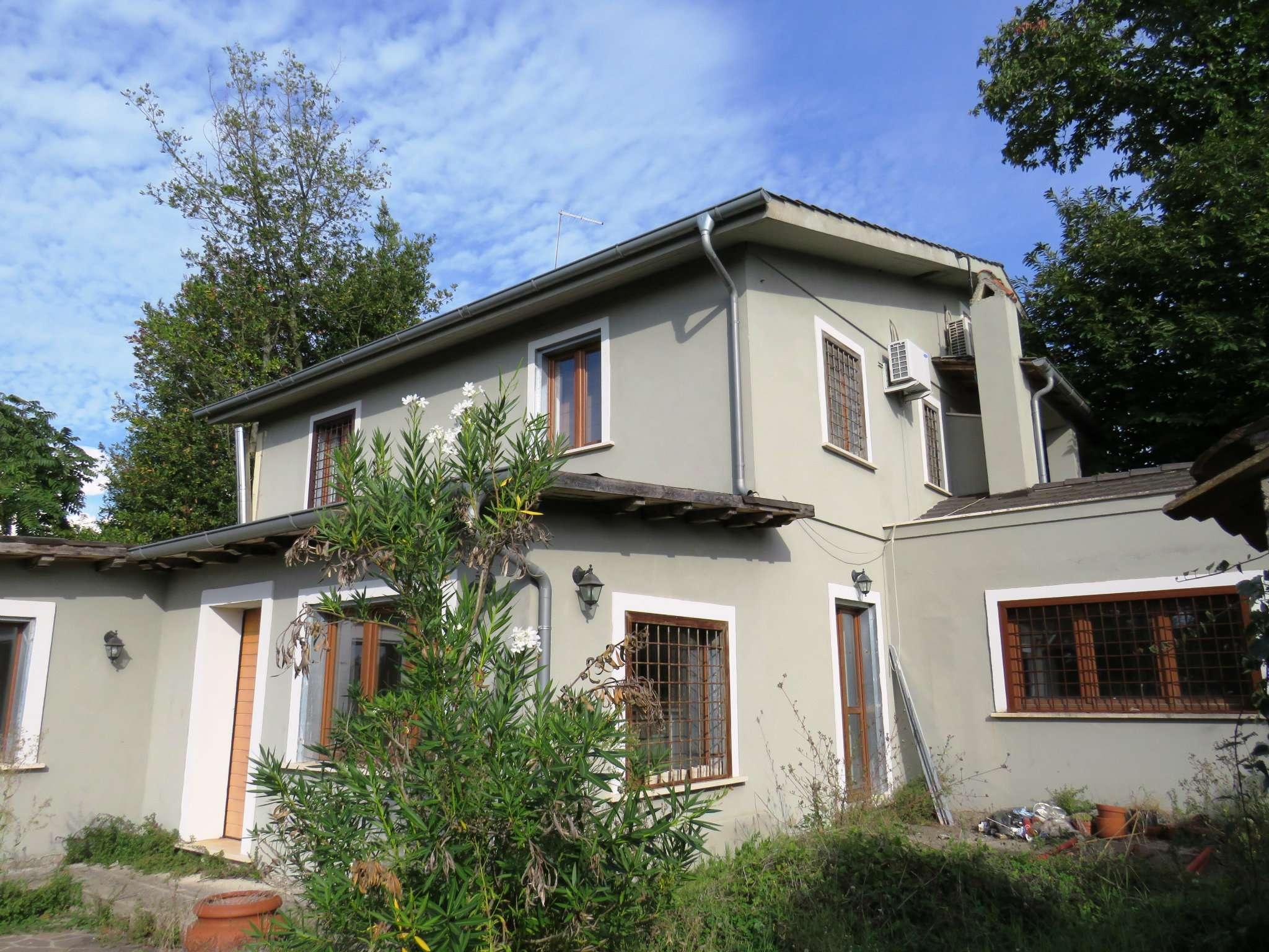Villa Bifamiliare in vendita a Rignano Flaminio, 7 locali, prezzo € 245.000 | CambioCasa.it