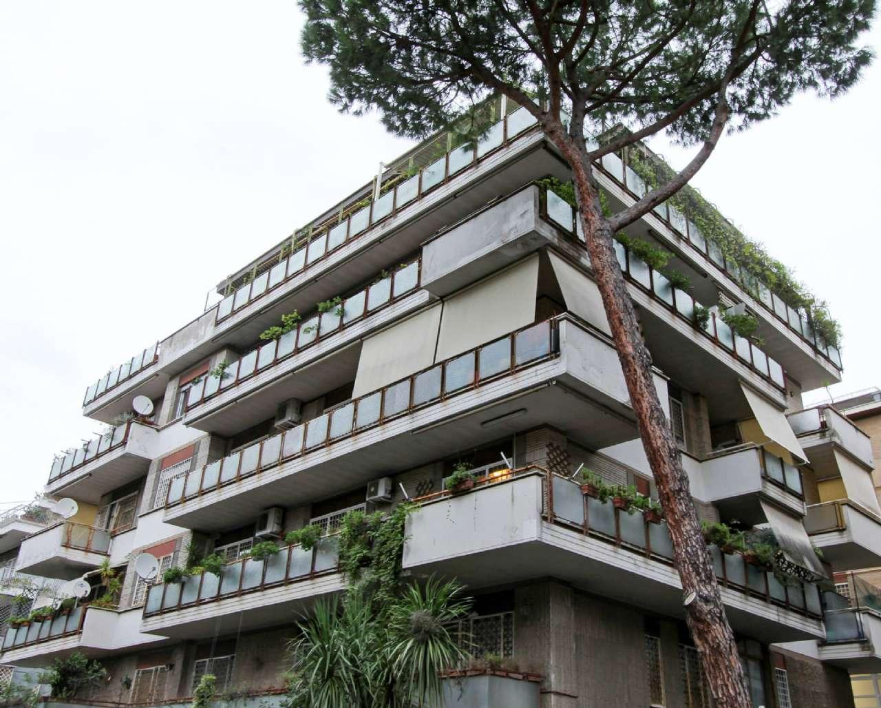 Appartamento in vendita a Roma, 7 locali, zona Zona: 42 . Cassia - Olgiata, prezzo € 675.000 | CambioCasa.it