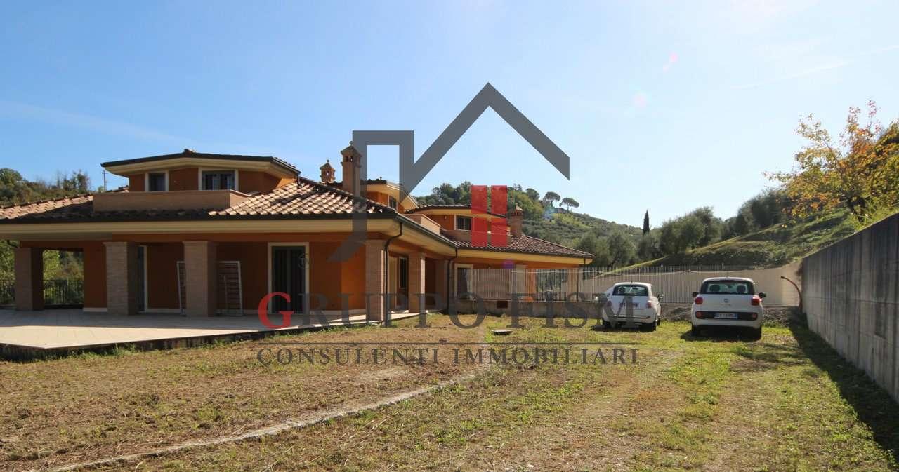 Villa Bifamiliare in Vendita a Monterotondo